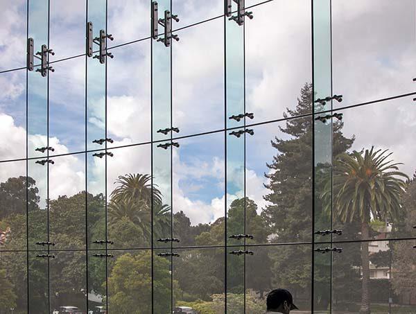 نمای شیشه گلس فین